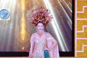 Á hậu Phương Khánh giành huy chương vàng phần thi trang phục dân tộc