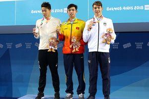 Kình ngư Huy Hoàng thiết lập kỷ lục quốc gia mới 2 nội dung bơi nam