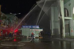 Diễn tập phương án phòng cháy chữa cháy tại chợ Long Xuyên