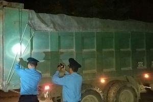 Nghệ An: 3 tổ cân lưu động chặn xe quá tải vùng mỏ