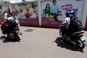 Đắk Nông: Chưa đủ tuổi, không bằng lái, học sinh vẫn vô tư đi xe máy đến trường