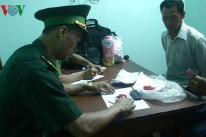 Quảng Bình: Bắt đối tượng vận chuyển ma túy qua biên giới