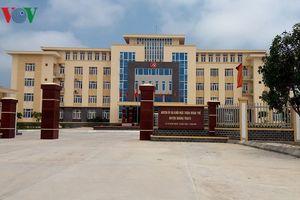 Vụ cả họ làm 'quan' ở Quảng Bình: Bí thư Huyện ủy bị kiểm điểm 