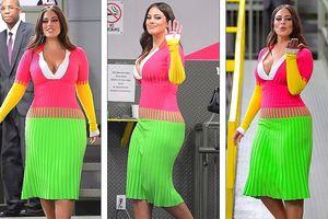 'Siêu mẫu béo' Ashley Graham đẫy đà với đầm nhiều màu rực rỡ