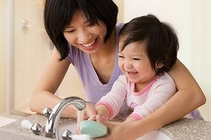 Phòng bệnh tay chân miệng cho trẻ khi dịch bùng phát