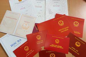 Đại học ở Sài Gòn mạnh tay đuổi sinh viên để đối phó nạn bằng giả