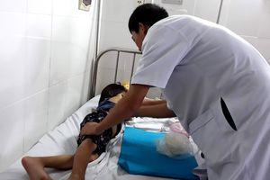 Khởi tố nghi phạm bạo hành bé gái 6 tuổi ở Ninh Thuận