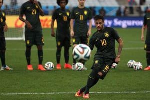 Neymar 'vẽ cầu vồng' đẹp mắt trong buổi tập với ĐT Brazil