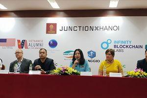 48 giờ 'chạy đua' của sinh viên Việt Nam đến sự kiện công nghệ lớn nhất châu Âu