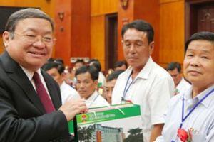 63 'Thần nông' lần đầu thăm trụ sở Hội NDVN tại Hà Nội