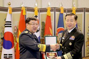 Tư lệnh Hải quân Việt Nam - Hàn Quốc hội đàm song phương