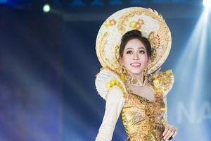 Phương Nga tỏa sáng khi trình diễn quốc phục tại Miss Grand 2018