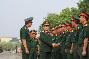 Đại tướng Ngô Xuân Lịch làm việc với Quân đoàn 1