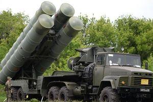 Video phiên bản 'rồng lửa' S-300 Nga chuyển cho Syria ồ ạt khai hỏa trong diễn tập
