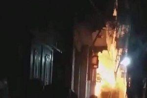 Vụ đốt nhà bố vợ ở Hà Nội: Bé trai 6 tuổi đã tử vong