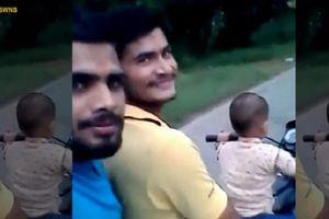 Thót tim xem bé 3 tuổi lái xe bon bon trên đường
