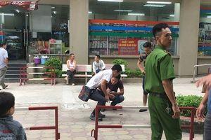 Công an truy bắt đối tượng nghi dùng súng bắn vợ ở chung cư VOV Hà Nội