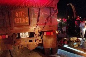 Đắk Lắk: Va chạm với xe tải, nữ trung úy công an bị cán tử vong