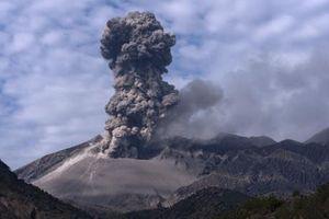 Núi lửa mạnh nhất ở Guatemala phun trào trở lại
