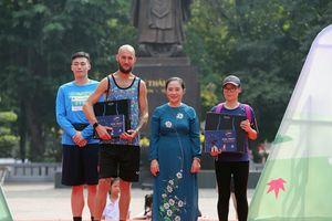 Trao giải cho các vận động viên tham gia Mottainai Run 2018