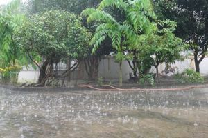 Miền Trung tiếp tục mưa lớn, miền Bắc tăng nhiệt