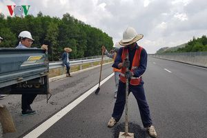 Hư hỏng trên cao tốc Đà Nẵng Quảng Ngãi do lỗi thi công 
