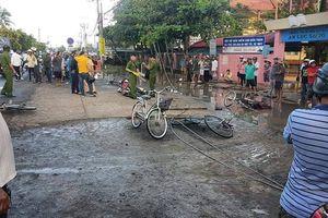 Dây điện rơi trước cổng trường, 6 học sinh thương vong