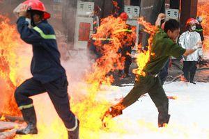 Những kỹ năng sống còn cần ghi nhớ để thoát hiểm khi xảy cháy chung cư