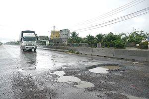 Thanh tra quốc lộ 1 mới làm đã hư hỏng nặng