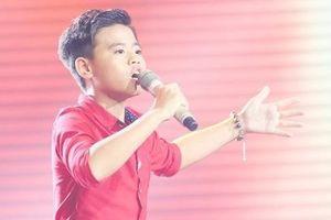 Cậu bé 12 tuổi hát opera được HLV The Voice Kids giành giật