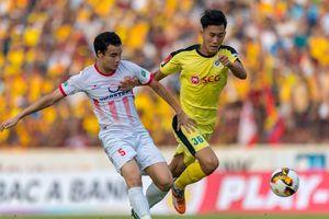 Đá xong trận play-off, 4 cầu thủ Hà Nội B gấp rút bay đến Indonesia