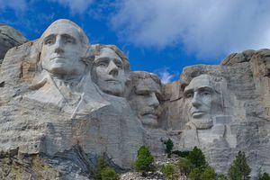 7 công trình hút khách du lịch nhưng không được lòng người địa phương