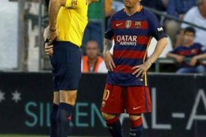 Barcelona mất chức vô địch La Liga, trọng tài xin lỗi Messi