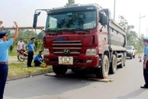 Dẹp nạn xe quá tải cần quyết liệt hơn