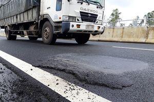 Thứ trưởng Bộ GTVT phê bình công tác thi công đường cao tốc Đà Nẵng - Quảng Ngãi