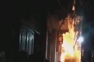 Kẻ đổ xăng đốt nhà bố vợ khiến bé trai 6 tuổi tử vong đối diện tội danh nào?