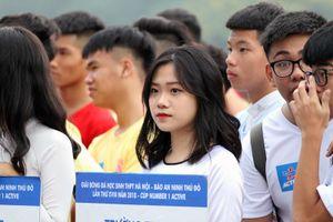 Ngắm dàn nữ sinh xinh đẹp tại giải bóng đá PTTH Hà Nội