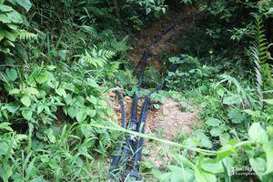 Người dân đóng góp làm hệ thống dẫn nước từ rừng về nhà trị giá 500 triệu đồng