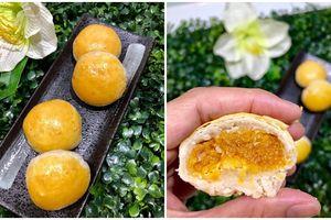 Bánh pía nhân dứa trứng muối thơm ngon lạ miệng