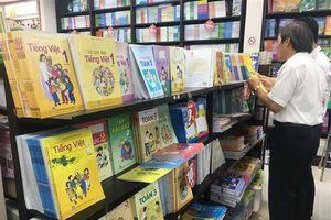 Một chương trình nhiều bộ sách giáo khoa: Sở sẽ chọn sách của NXB Giáo dục để lấy lòng Bộ?