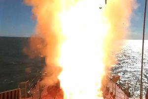 Chiến hạm Nga phóng 'thần chết' Kalibr lập tức hạ 'địch' trên biển Caspian