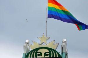Starbuck câu chuyện về hãng cafe lớn nhất toàn cầu đứng về cộng đồng lục sắc
