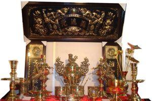 Phong thủy ban thờ: Ban thờ hướng tài lộc cho tuổi 1961 Tân Sửu