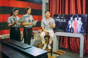 Nguyên Khang nói gì về vai 'giám khảo ác' của Tấn Tài