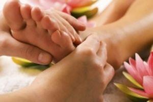 Xoa bóp bàn chân chữa bệnh