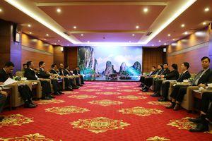 Tiếp xã giao đoàn đại biểu dự hội thảo thường niên về khoa học xã hội lần thứ 7