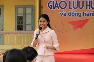 'Cô gái tỷ đô' Trần Uyên Phương: 'Học để hành, chứ không phải để trả bài thầy cô'