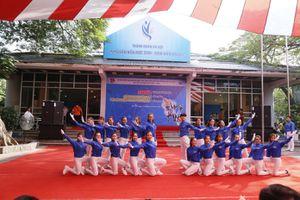 Khai mạc Liên hoan Dân vũ quốc tế và các điệu nhảy cổ động