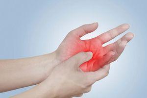 Dấu hiệu bất thường ở bàn tay cảnh báo bệnh