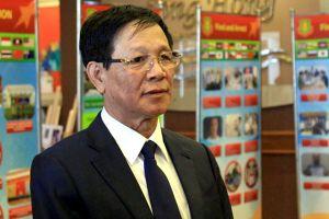 Ông Phan Văn Vĩnh phải nhập viện để chữa bệnh